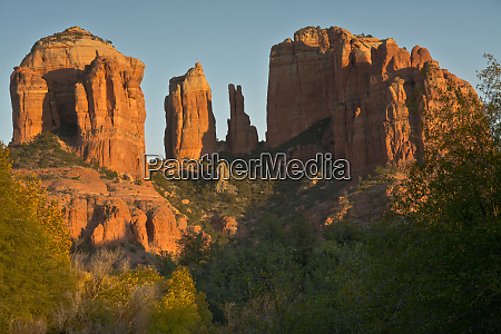 sunset cathedral rock red rock crossing