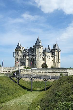 chateau de saumur saumur loire valley