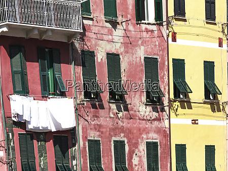 lokales, leben, in, vernazza, italien. - 27899275