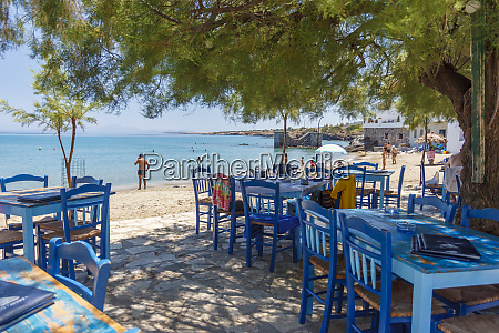 beach restaurant in moutsouna naxos island