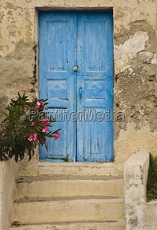 griechenland altes haus tuer blau