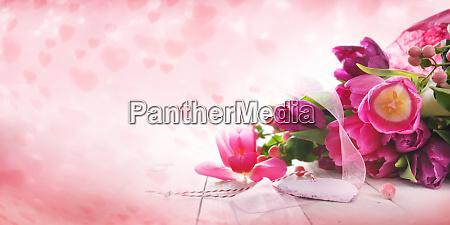 rosa tulpen und herzen fuer den