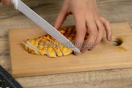 chef schneiden huhn filet herstellung huhn