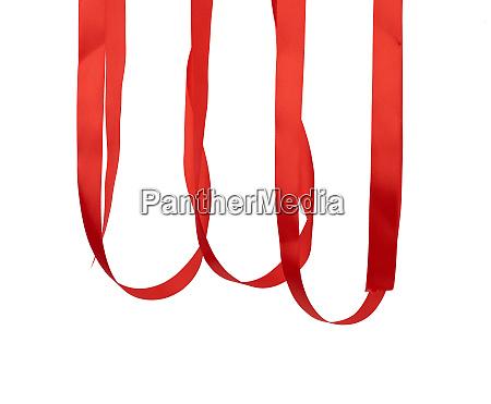 haengende rote seidenband zum verpacken von
