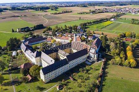 deutschland bayern augsburg luftaufnahme des klosters