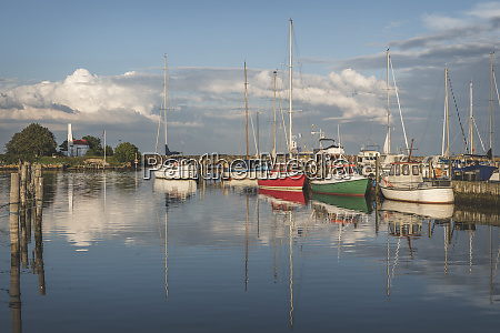 daenemark aeroe marstal fischerboote in marina