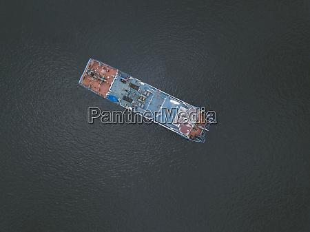 luftaufnahme des schiffes in newa bei