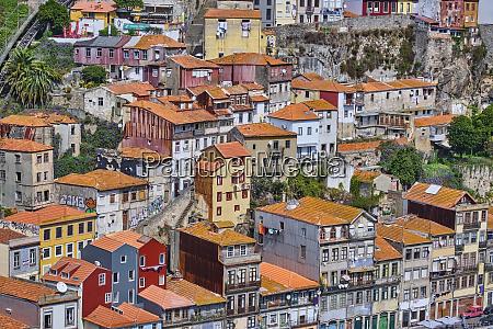 portugal porto reihenhaeuser in wohnviertel von