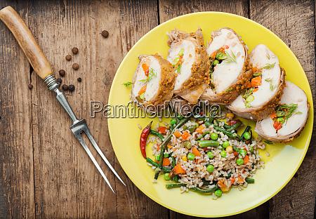 gebackenes fleisch und risotto