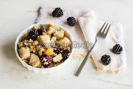schuessel mit gluten und laktosefreier hirse