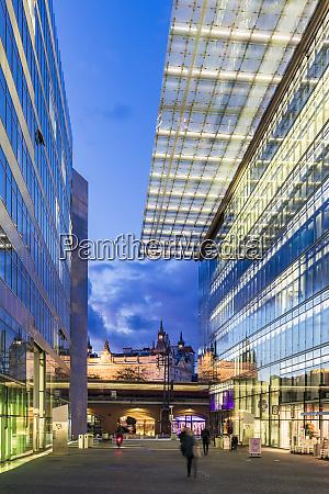 deutschland berlin glasfassaden der kurfuerstendamm einkaufszentren