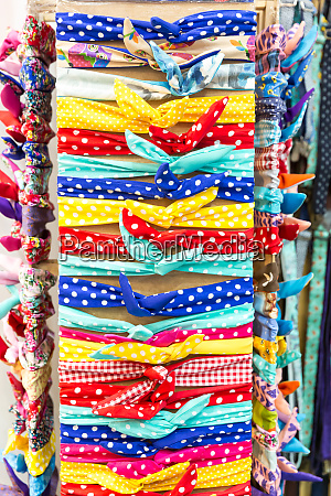 set of kerchieves