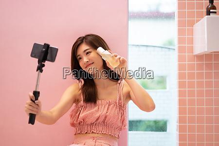 woman beauty selfie