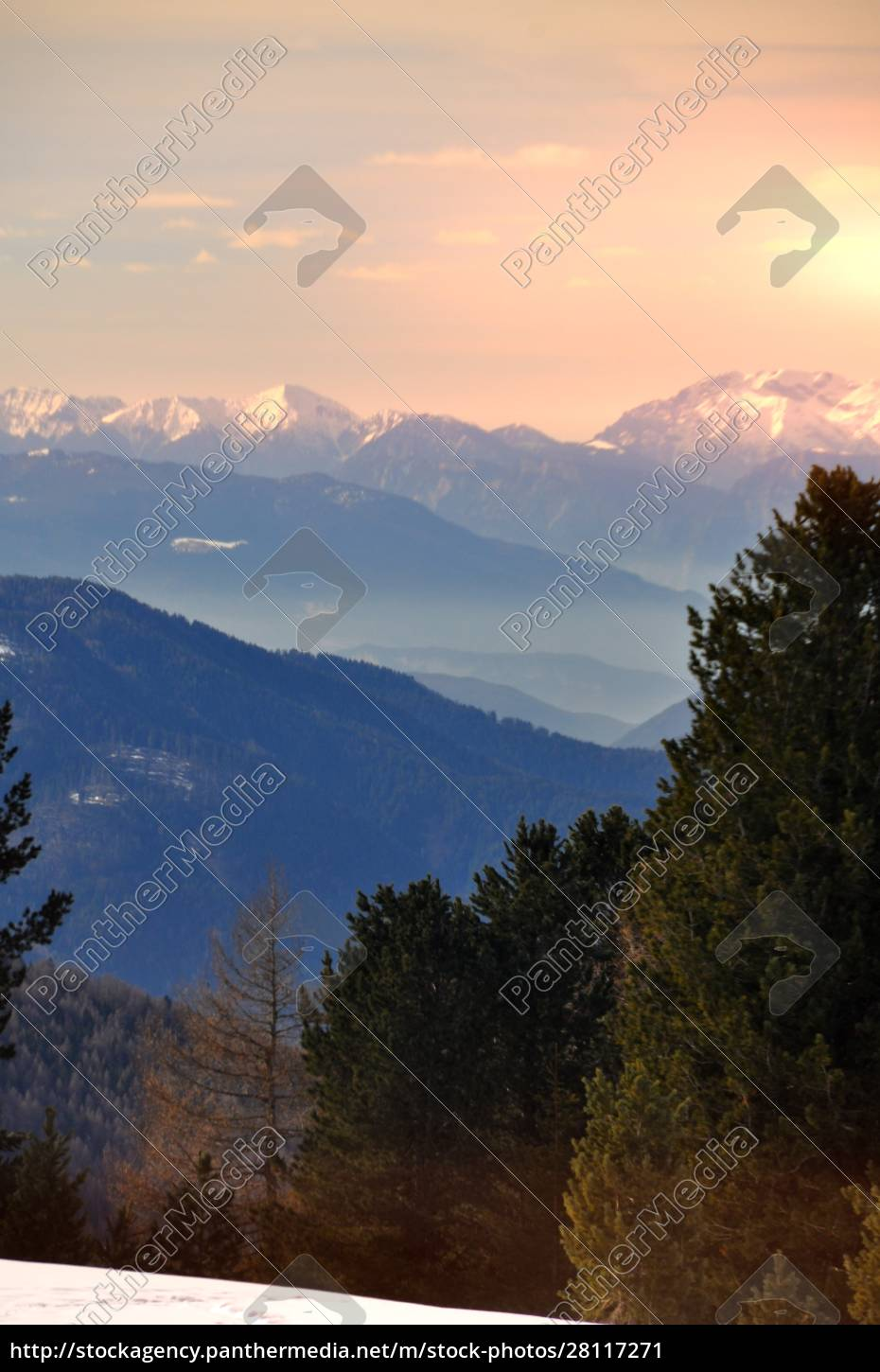 skiing, insouthern, tyrol - 28117271