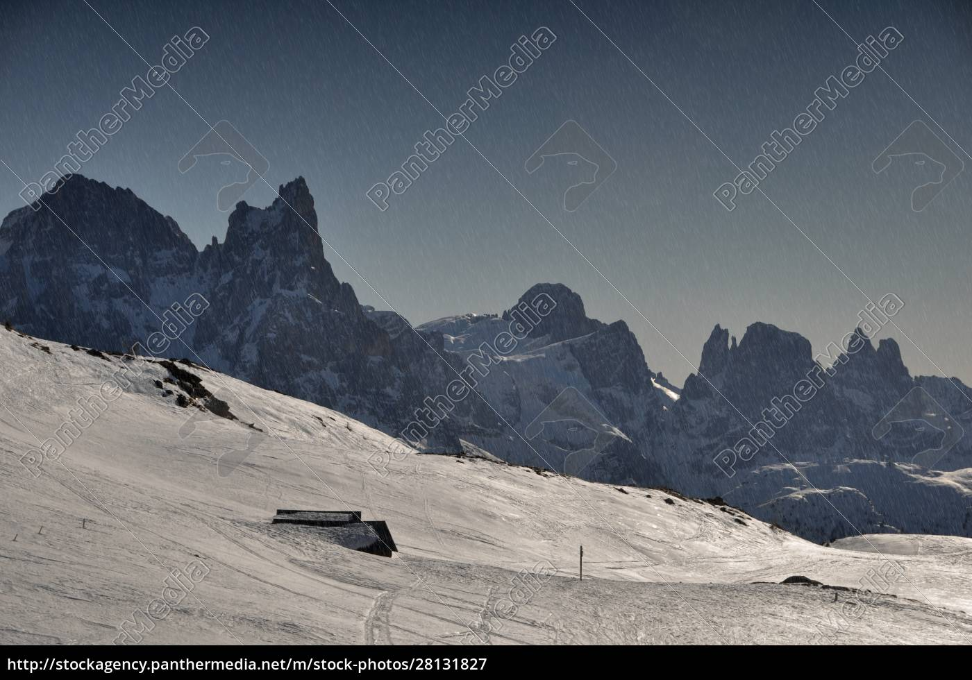 skiing, insouthern, tyrol - 28131827