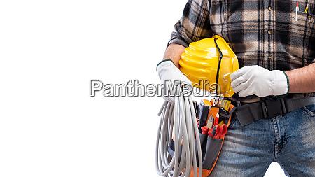 elektriker mit werkzeugguertel auf weissem hintergrund