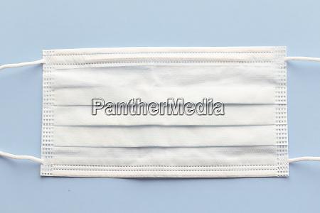 medizinische maske zum schutz vor covid