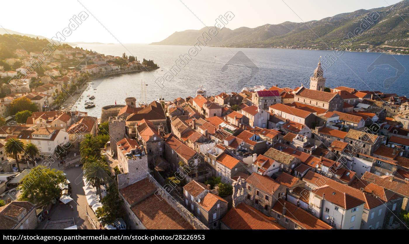 aerial, view, of, town, korčula, on - 28226953