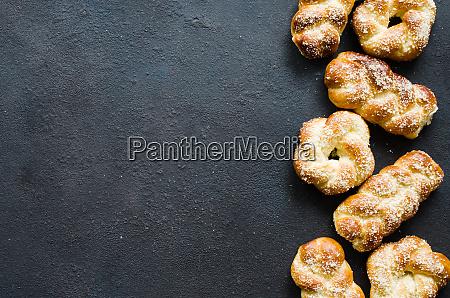 gebackene frisch duftende broetchen traditionelles hausgemachtes