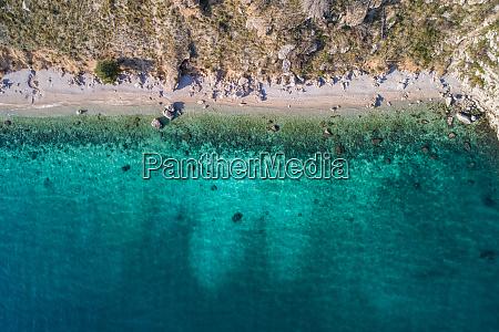 luftaufnahme von vruja bei makarska dalmatien
