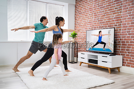 home online stretching yoga fitness