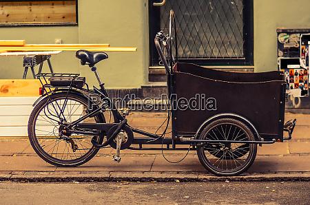 dreirad fahrrad fahrrad mit einem korb