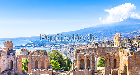 greek theater in taormina and etna