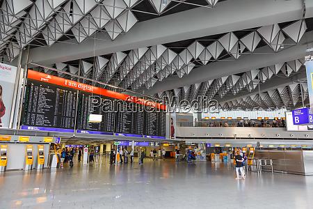 flughafen frankfurt fra terminal 1 halle