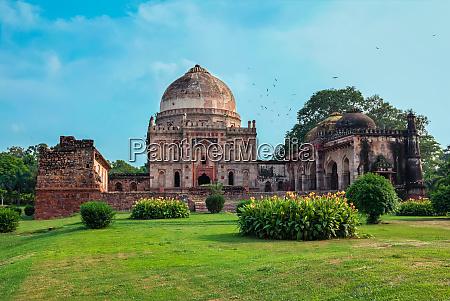 sheesh, gumbad, tomb, in, lodi, gardens - 28388319