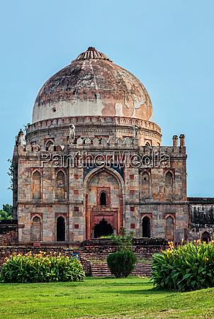 sheesh, gumbad, tomb, in, lodi, gardens - 28388321