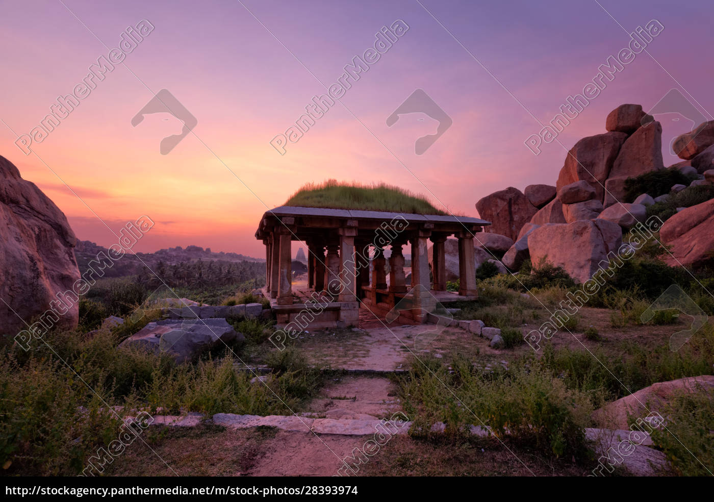 ancient, ruins, of, hampi, on, sunset. - 28393974