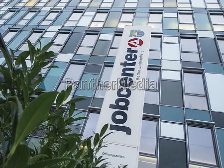 jobcenter berlin lichtenberg mit strauch
