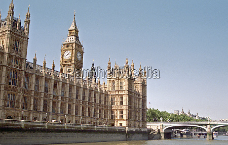 westminster palace with big ben