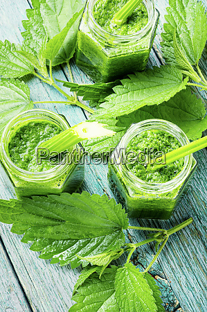 nettle herbal smoothie