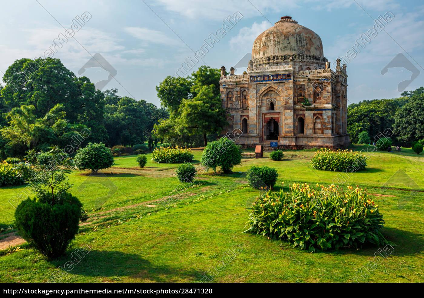 sheesh, gumbad, tomb, in, lodi, gardens - 28471320