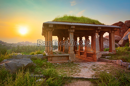 ancient, ruins, in, hampi, on, sunset. - 28472368