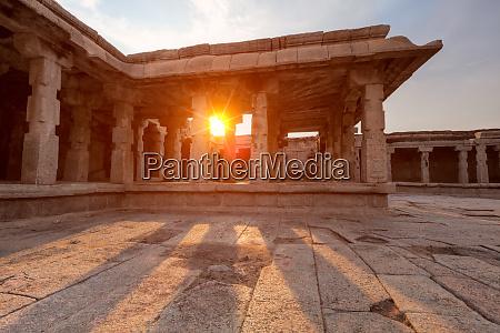 krishna, tempel, bei, sonnenuntergang., hampi, karnataka, indien - 28472365