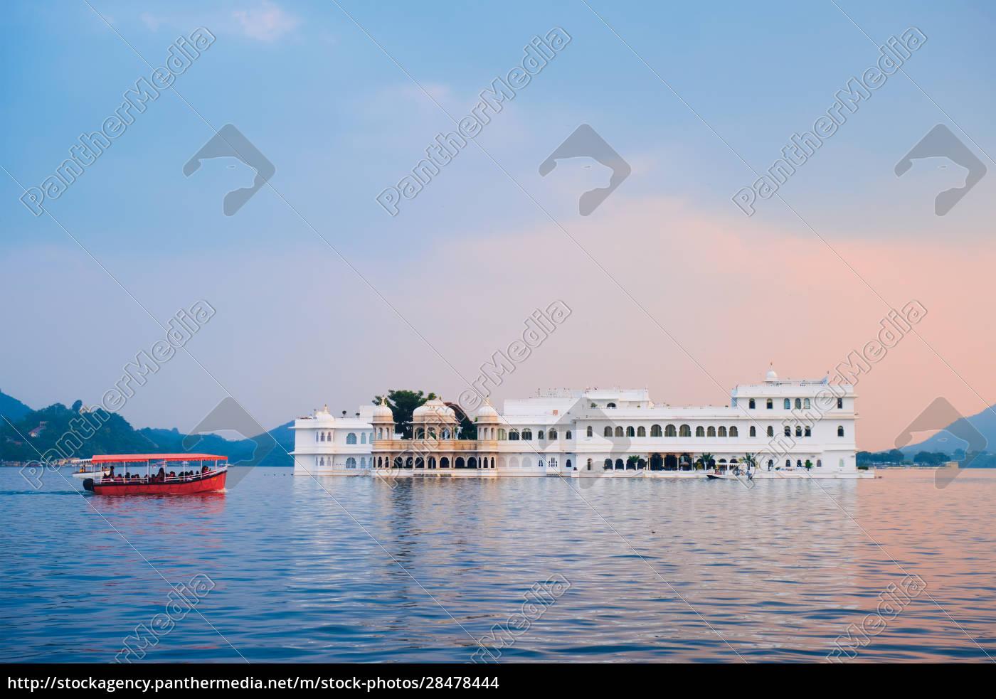 lake, palace, palace, am, lake, pichola - 28478444