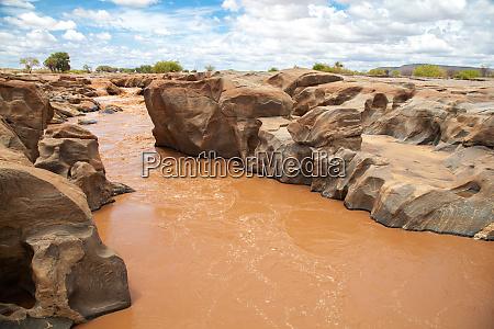 galana fluss in kenia