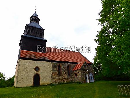 evangelische feldsteinkirche aus dem mittelalter