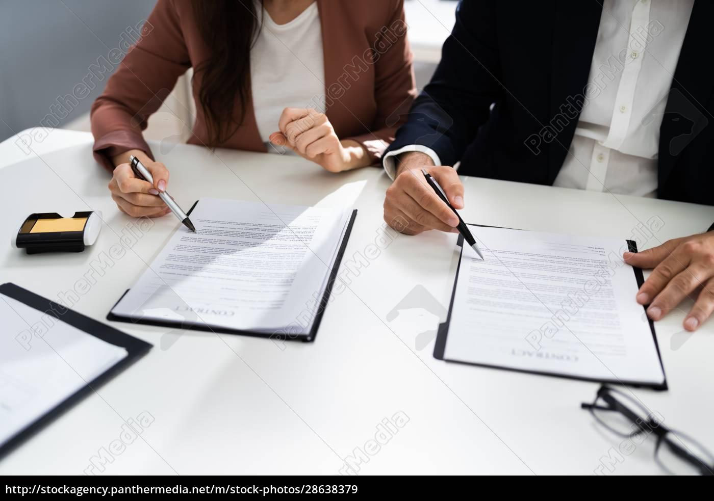 lawyer, people, review, dokument, vor, der - 28638379