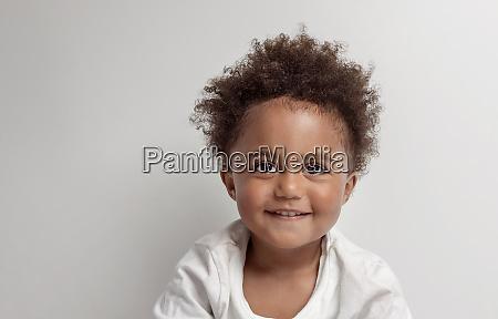 portraet eines afrikanischen amerian kindes
