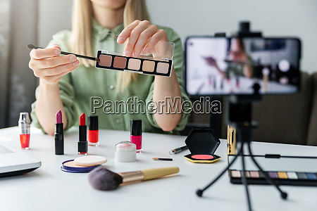 make up schoenheit mode blogger influencer