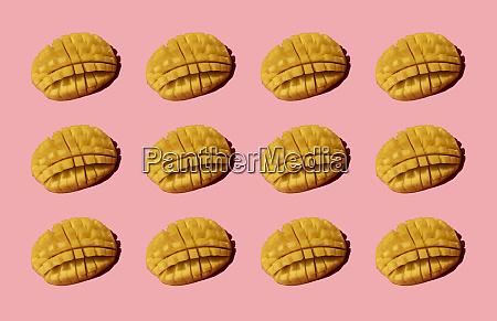 gehackte, mango-muster, auf, rosa, hintergrund - 28747021