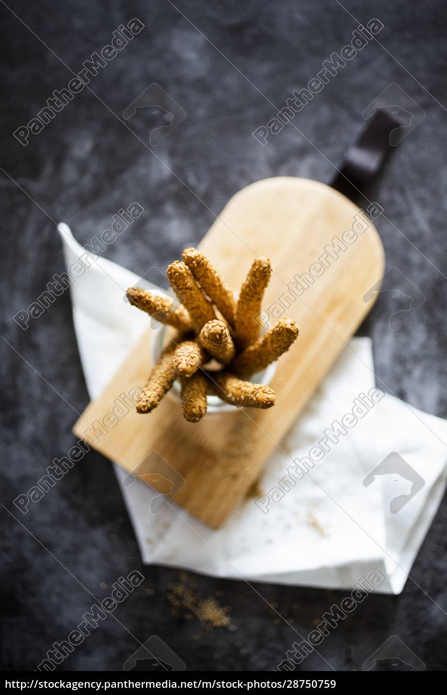 jar, of, fresh, italian, grissini, breadsticks - 28750759