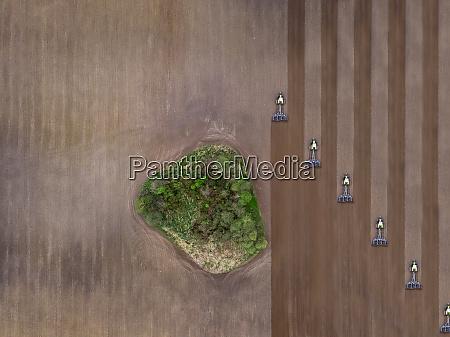 russland region moskau luftaufnahme von traktoren