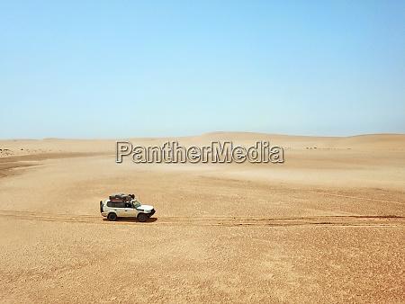 mauretanien, banc, darguin, nationalpark, luftaufnahme, von, off-road-auto, fahren - 28762027