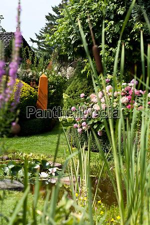 gartenteich, mit, dekoration, und, pflanzen - 28779769