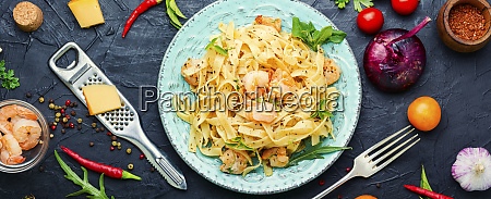 spaghetti pasta mit garnelen