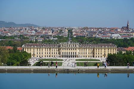panorama von schonbrunn von der gloriette